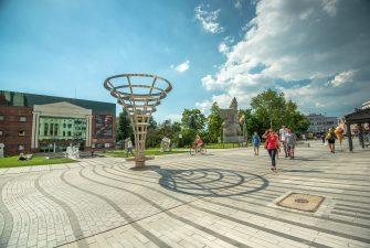 Aktywizacja części obszarów śródmieścia poprzez rewitalizację ul. Krakowskiej i obszarów przyległych w Opolu. Etap I: Przebudowa ulicy Krakowskiej w Opolu